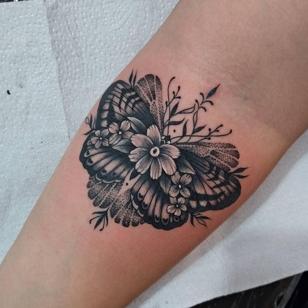 tattoo-tatuagem-borboleta-floral